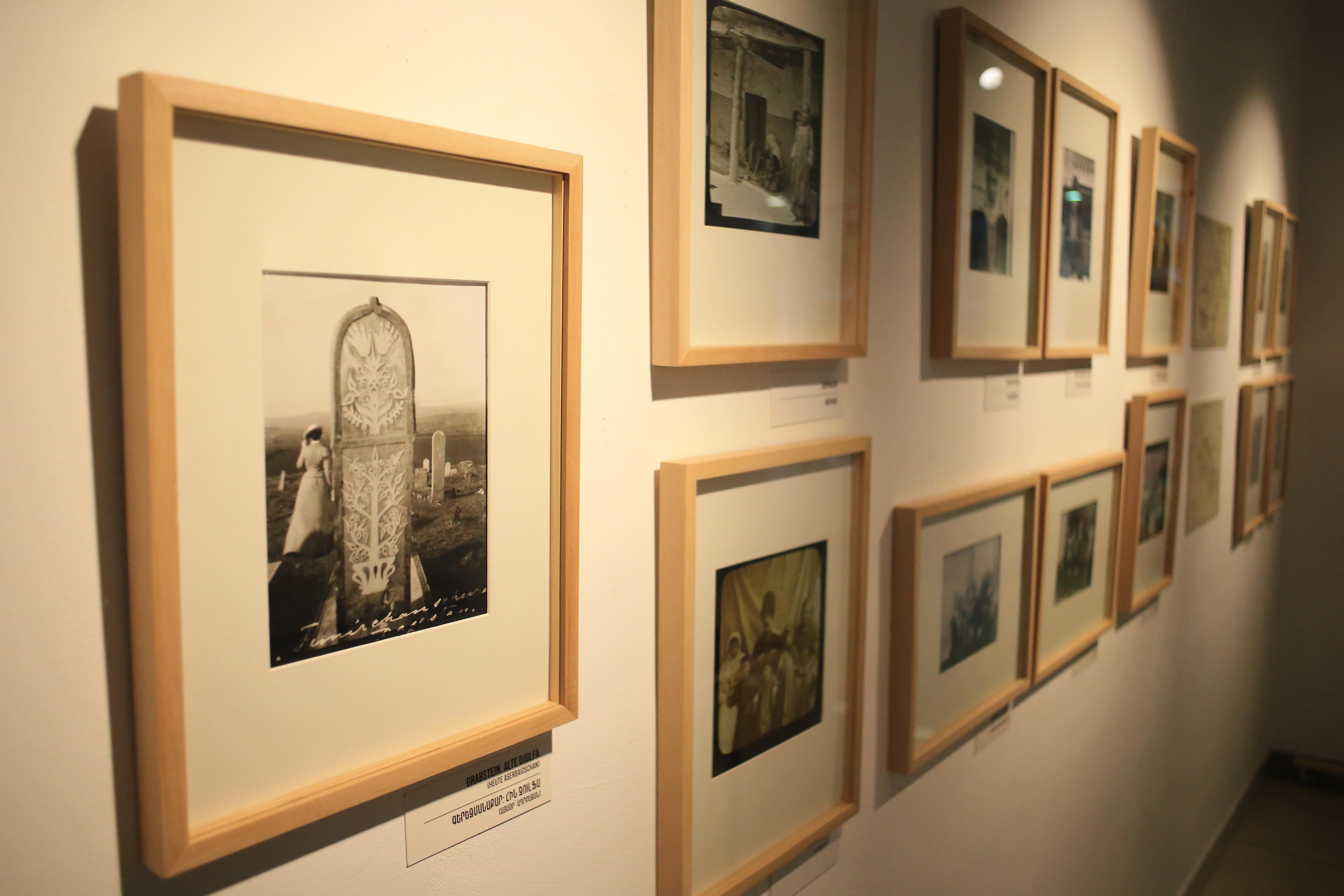 """Die Ausstellung """"Fotos aus dem Kaukasus"""" von Adolf Dirr"""